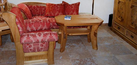Innenarbeiten - Zum Beispiel eine Recamiere, Sessel, Hocker auf Kundenwunsch